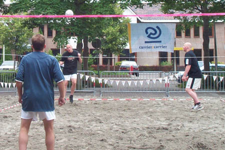 Beachtoernooi van start