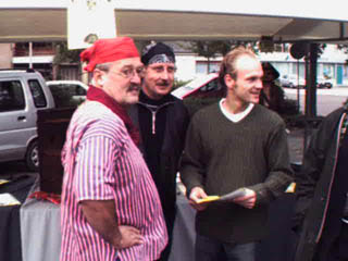 Piratenkoor zingt in Elburg